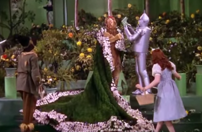 an analysis of the wizard of oz a 1939 movie by mervyn leroy Wizard of oz answer guide to 3 directed by victor fleming george cukor mervyn leroy with judy garland frank morgan ray bolger bert lahr dorothy gale is swept away from a farm in kansas to a magical land of oz.